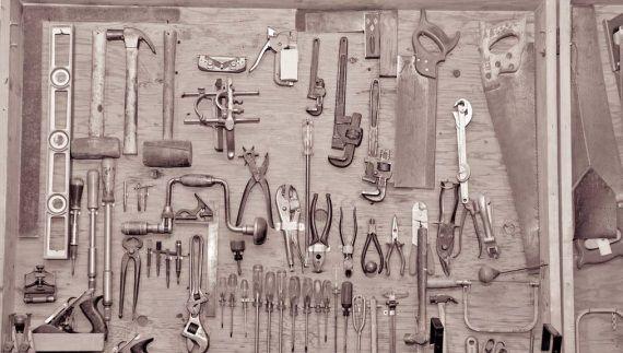 Приспособление для инструментов своими руками