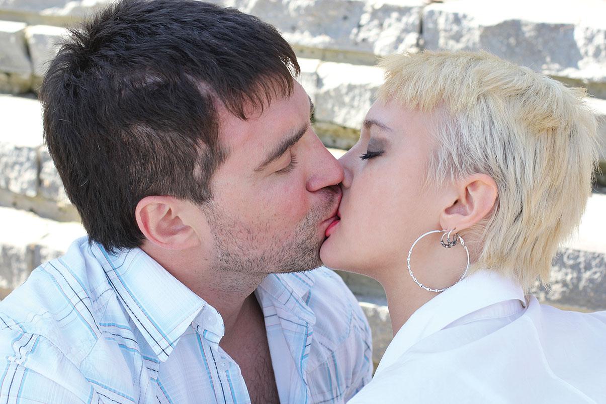 можно ли целоваться в первый день знакомства