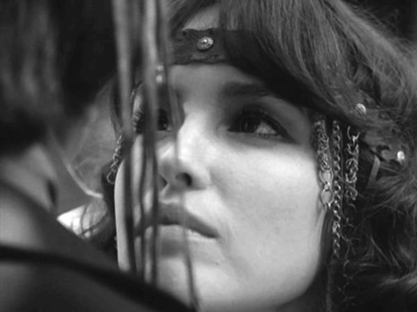 Анну Самохину Несут На Руках Из Ванной – Женский День (1990)